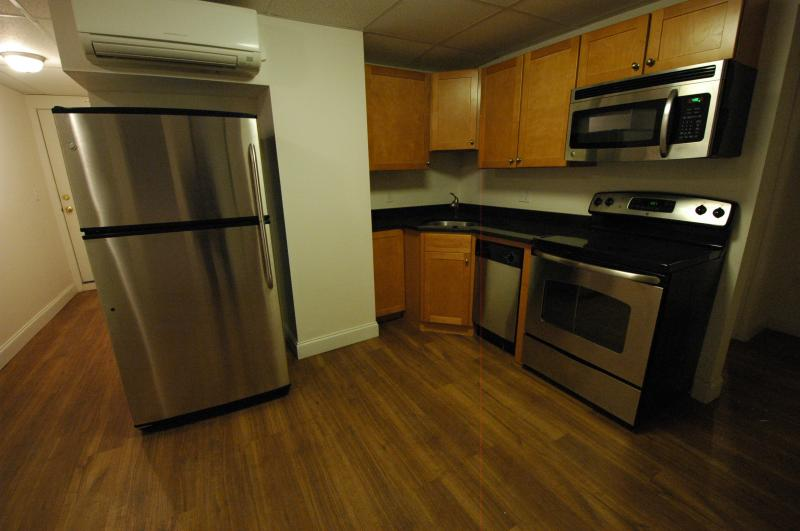 AVAIL 2/1 - Gorgeous, Renovated 2BR Great Loc,