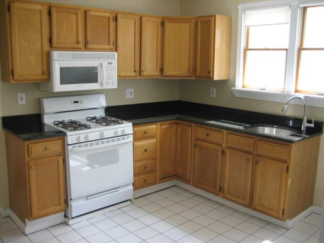 3 Bd, 1 Bath, HW Floors, updated kitchen, good size bedrooms!