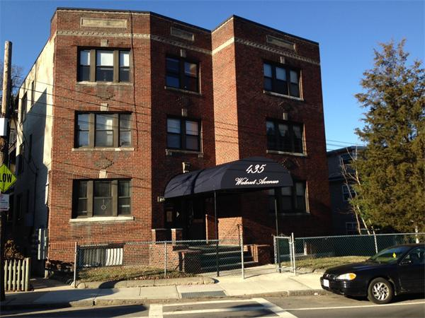 SPLENDID 2 BED JAMAICA PLAIN AV 9/1 COME AND SEE IT NOW CALL E-MAIL J