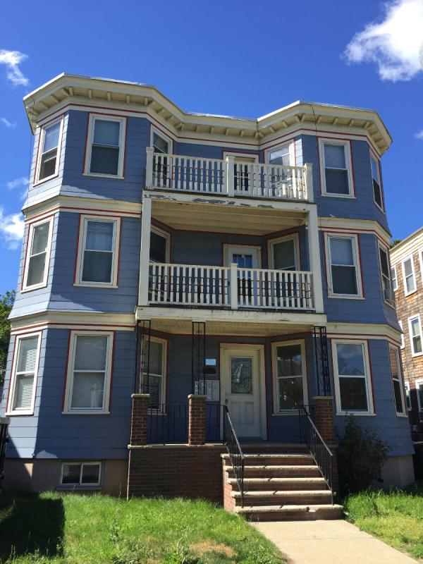 10 - Astounding 4 Bed Gem~Close to Bus Line~Must See!