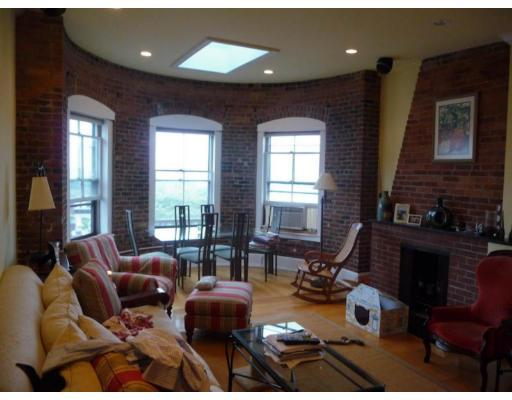 2 Beds, 1 Bath apartment in Boston, Beacon Hill for $3,000