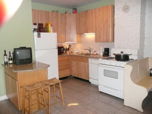 2 Bd Split on Boston St.