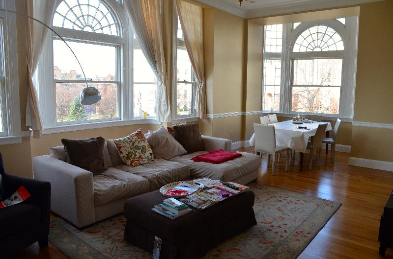 PENTHOUSE next to STATE HOUSE! 3.5bed 3.5bath! Pets ok! Laundry!
