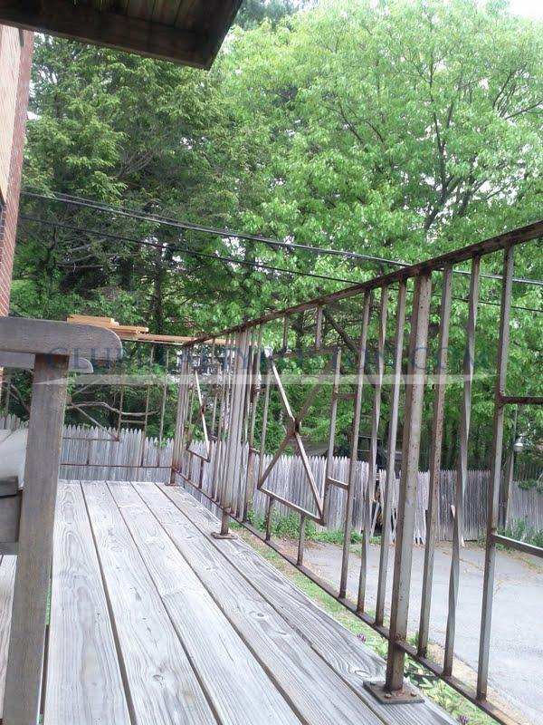 Cheap Spacious 1 Bed~Heat/HW Incld~Laundry~Parking~Porch