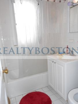 2 bed in top Floor of Victorian House~Short Term Furnished Option