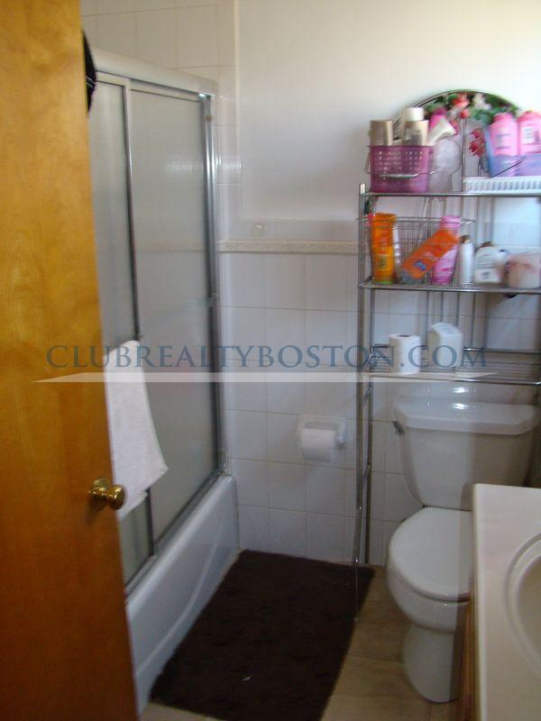 XL 5 bed 1.5 bath with 2 parking~Granite~Laundry in unit