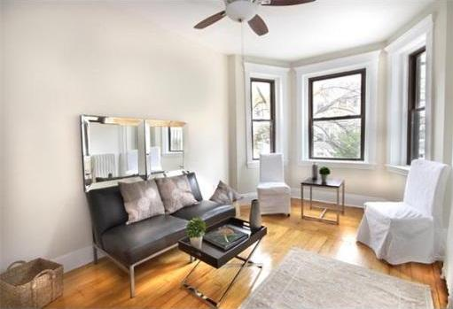 2.8 Beds, 1 Bath apartment in Boston, Fenway for $3,950