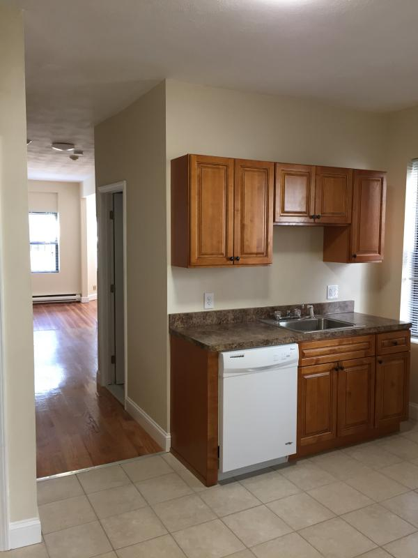 2 Bd on , Pantry, New Appliances, Eat-in Kitchen, Modern Kitchen, Dish