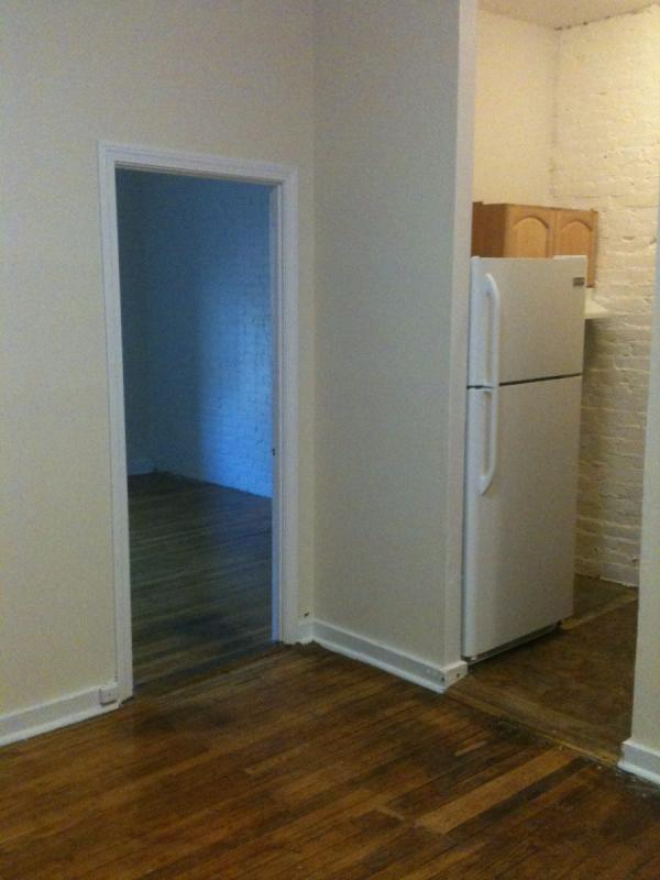 2 Bd on , Laundry in Building, Exposed Brick, Separate Kitchen, Hardwo