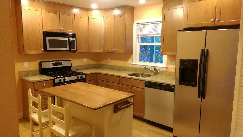 8 - PERFECT 2 BED APARTMENT IN ALLSTON! FREE HEAT, HW, AND PARKING!