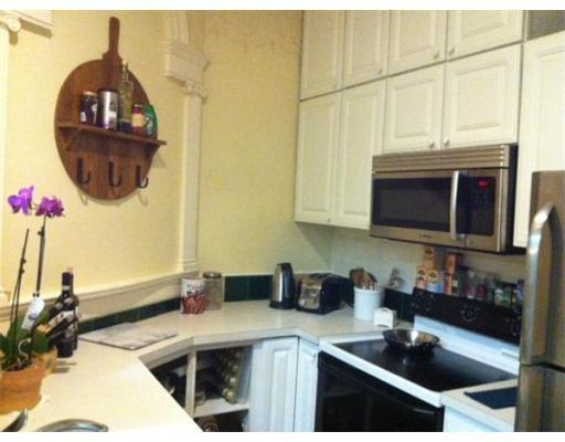 8 - 2 Bd,  New/Renovated Kitchen, Ceramic Tiles