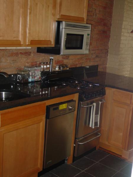 FURNISHED SOUTH END 1 BED, UTILITIES INCL, AVAIL NOW
