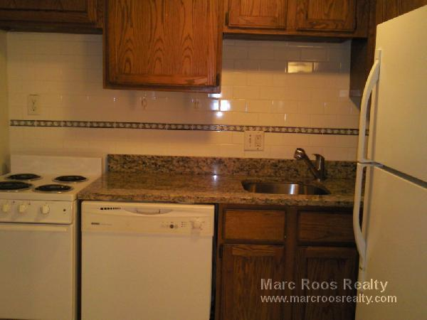 3 Bd on Commonwealth Ave., Avail 09/01, HT/HW, Laundry in Building