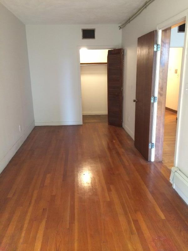 1bed on Comm Ave, Kenmore