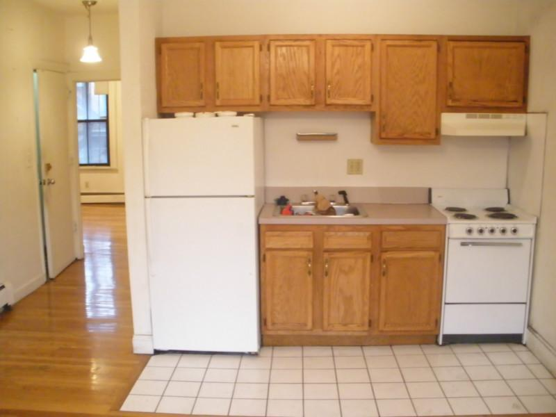 Gorgeous So End Unit - Deck - H/HW Inc! - Must See!  Avail NOW!