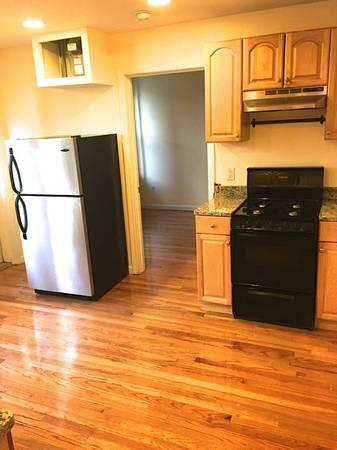 GREAT 1BD SPLIT 9/1 NEAR SUFFOLK UNIV AND EMMERSON