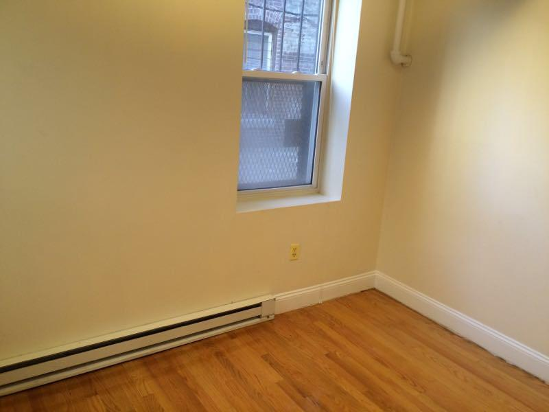 1 Bed Steps to Northeastern with Heat and Hot Water included!