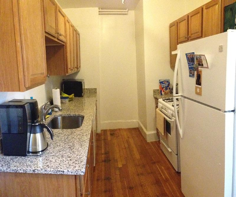 Updated kitchen, bath, new appliances, granite counter top, Pets OK,