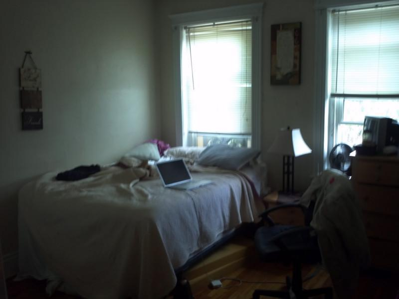 1 Bd on Warren St., Laundry in Building, Parking For Rent