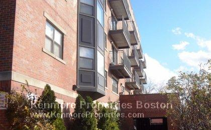 NORTHEASTERN 4BED/2 BATH ELEVATOR ONSITE H/HW INCLD
