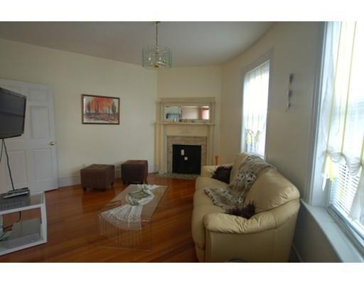 Brookline Village 4bed GREAT DEAL! H&HW incl, Right on D Line! AVAIL!