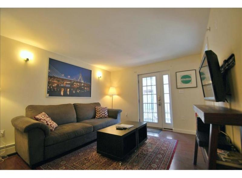 Boston's South End 2 bed 1.5 bath FURNISHED