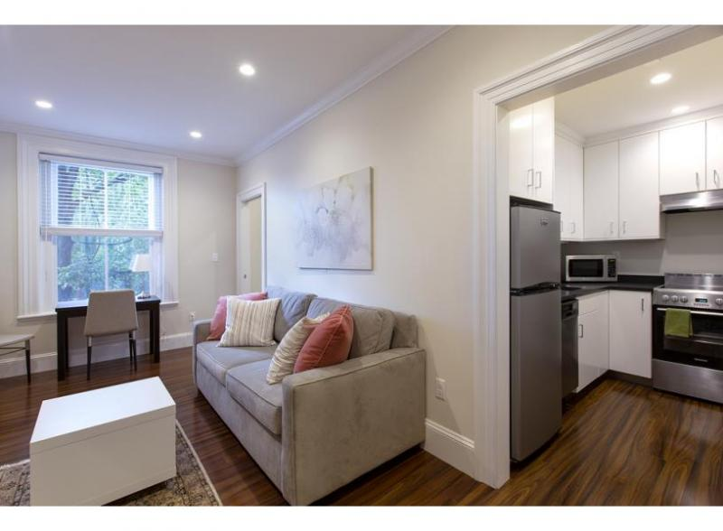 Studio Apartment in Beacon Hill