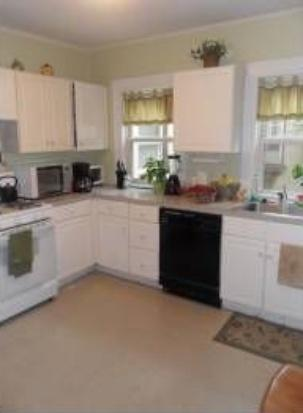 MASSIVE 4 BED WITH EASY ACCESS TO BOSTON COLLEGE