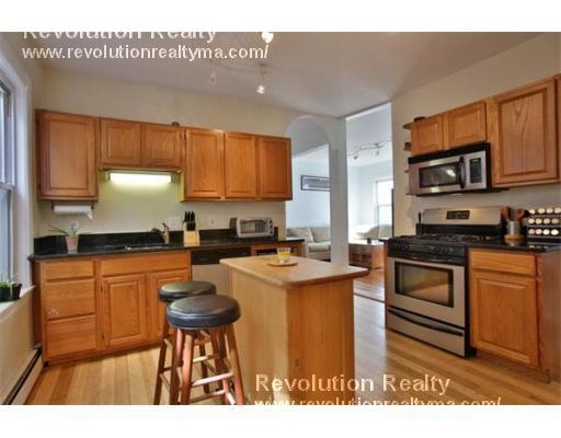 3 Beds, 1 Bath apartment in Boston, South Boston for $3,300
