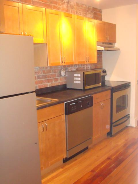 10 - RENOVATED FENWAY 2 BED ~ GREAT LOCATION