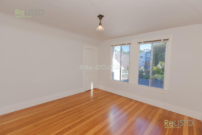 Noe Valley | 3 BD  | Parking | Yard | Fireplace |  $8.2K