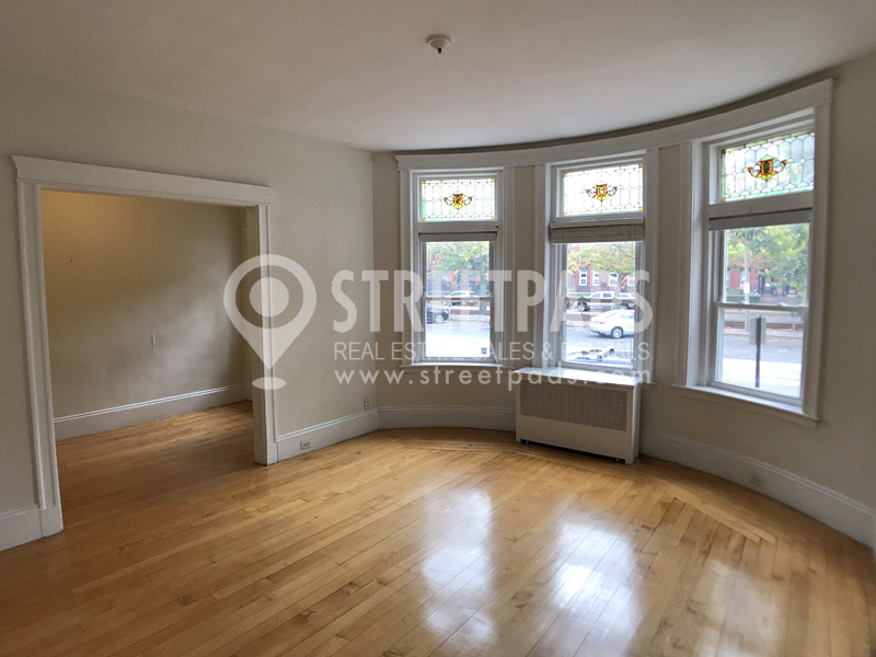 Pictures of  property for rent on Beacon St., Brookline, MA 02445