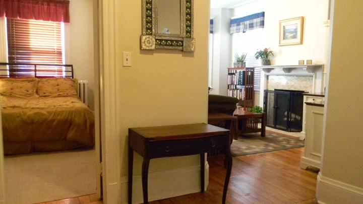 Lovely Front Facing Apartment In Coolidge Corner