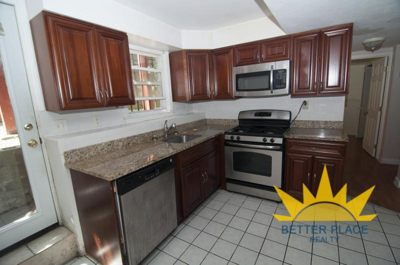 Renovated 3 bed steps to the T!  Pet Ok, Parking Available!