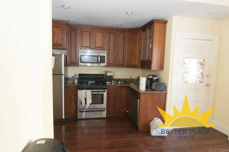 5 bed, 2 bath, Student+Pet Friendly, Water Incl-Stainless Appliances