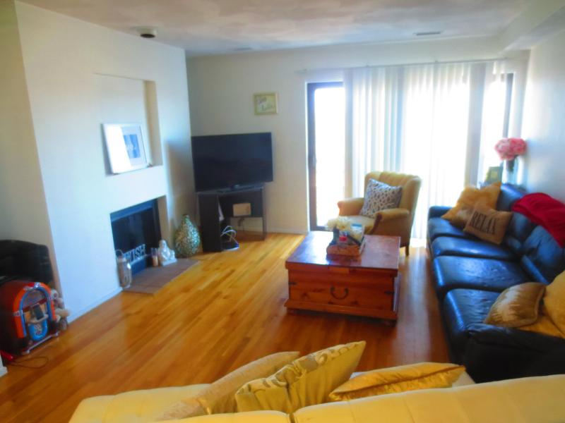 Two Floor Townhouse With Laundry in the Unit